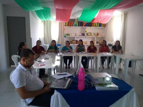 """Seduc de Queimadas-PB realiza primeiro encontro de formação com o intuito de planejar ações do """"Busca Ativa"""""""