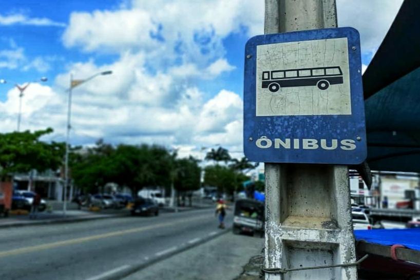 Prefeitura realiza abordagem estratégica aos ônibus interestaduais com desembarque de passageiros em Queimadas
