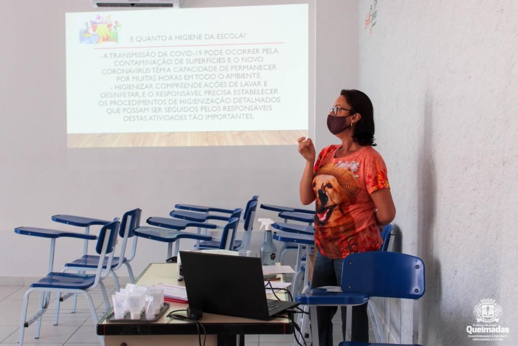 SEDUC realiza capacitações para merendeiras e profissionais de apoio sobre os cuidados preventivos no ambiente escolar
