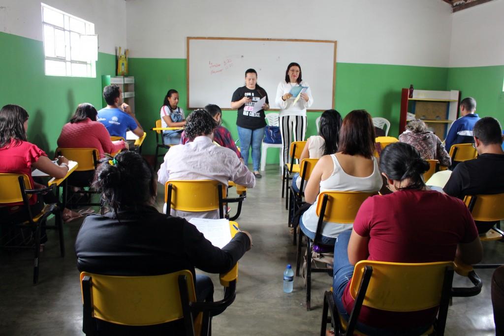 Candidatos a conselheiros tutelares de Queimadas realizam prova de conhecimentos específicos