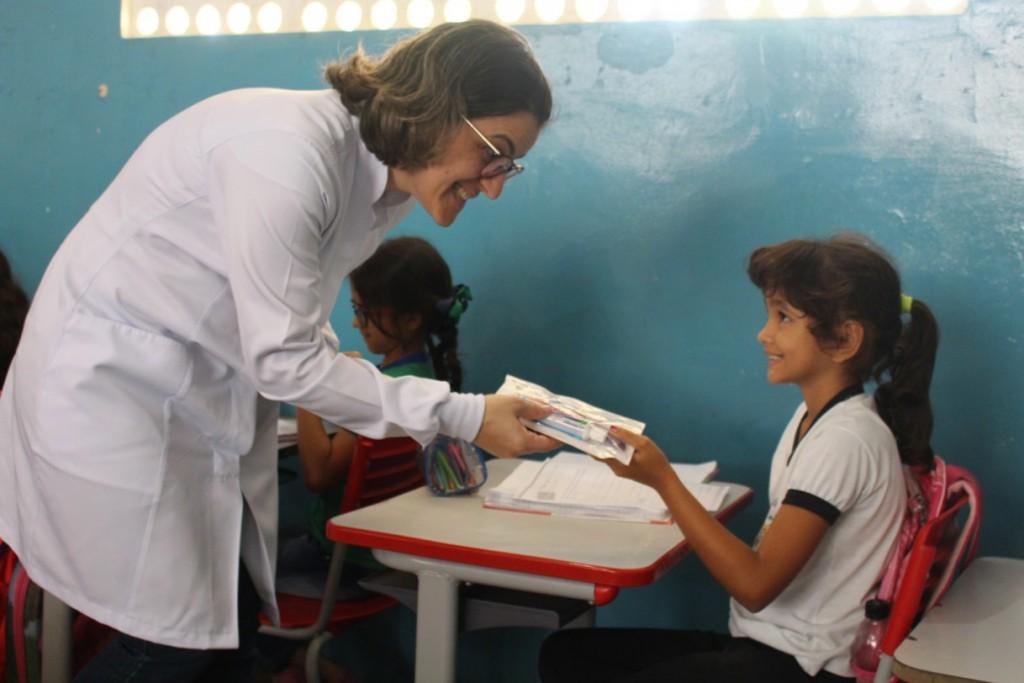 Programa Saúde na Escola inicia a distribuição dos kits de higiene bucal nas escolas municipais