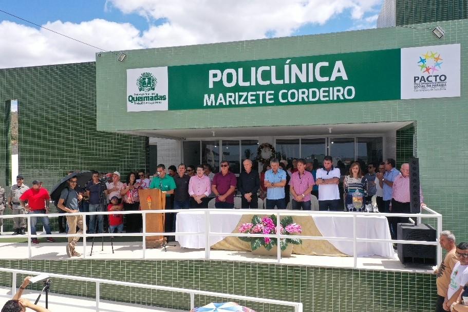 Nos 58 anos de Queimadas, prefeito entrega nova policlínica e anuncia instalação de uma companhia de Polícia Militar