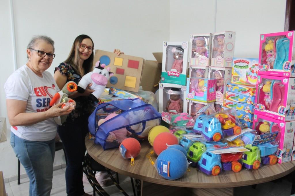 Prefeitura de Queimadas distribui novos brinquedos para as creches e escolas municipais de ensino infantil