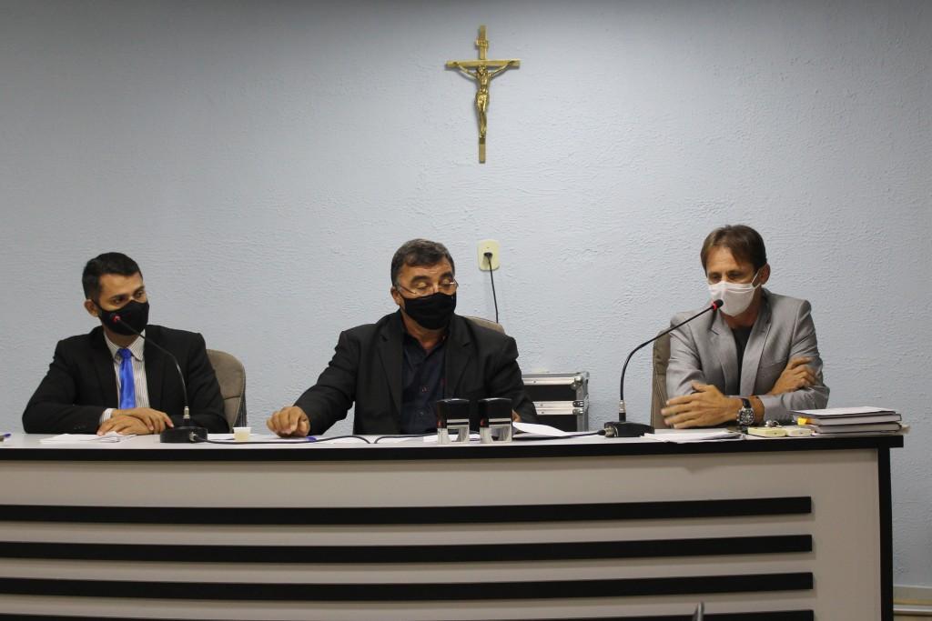 Prefeito Carlinhos de Tião dialoga com Câmara de Vereadores sobre as realizações da gestão municipal